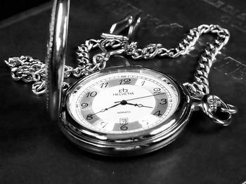 hour-s-1878119_640.jpg